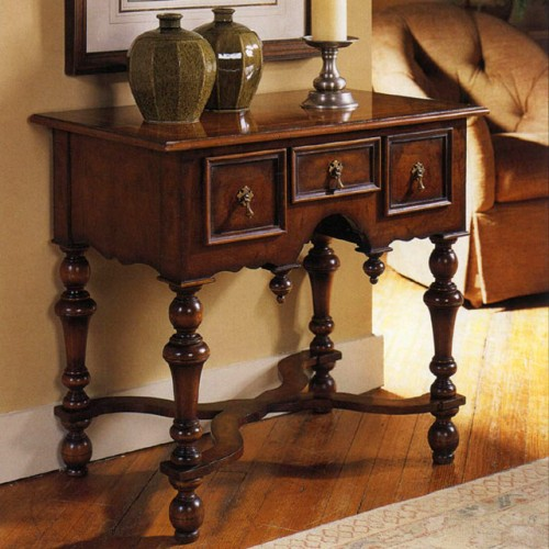 Noyer william & mary lowboy